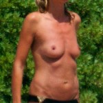 heidi-klum-beach-topless-04