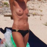 heidi-klum-beach-topless-10