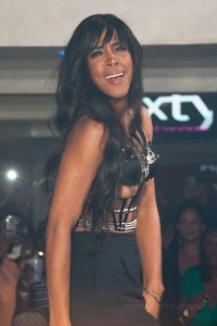 kelly-rowland-nipple-slip-concert-new-jersey-05