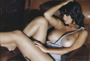 holly-peers-sophie-howard-sept-nuts-mag-06-480x330