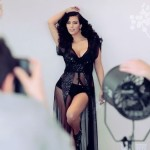 kim-kardashian-feb-esquire-behind-the-scenes-cap-04-900x675