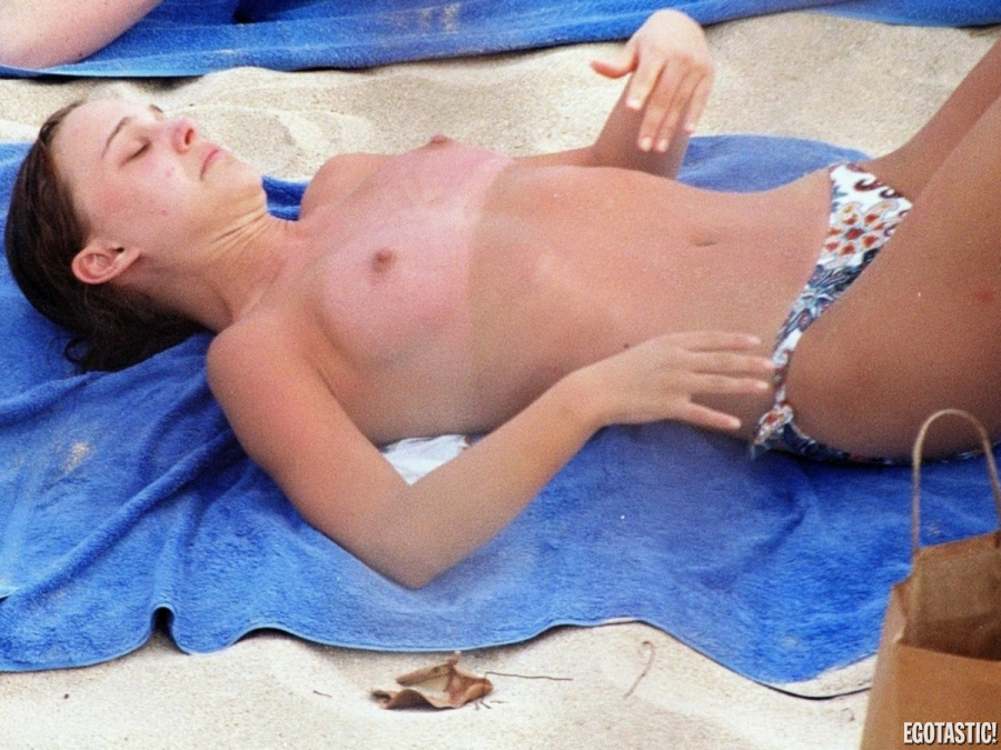 Natalie Portman Topless Sunburned Beach Pics In St Barts