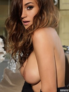 rosie-jones-and-holly-peers-topless-nuts-april-outtakes-17-675x900
