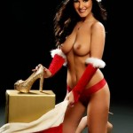 amii-grove-topless-page-3-2012-christmas-stocking-thriller-05-435x580