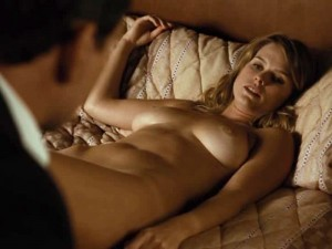 alice-eve-topless-in-crossing-over-02