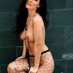amii-grove-topless-in-fishnets-for-page-3-01-cr1368731933293-435x580
