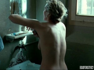 kate-Winslet-topless-sex-in-the-reader-01-580x435