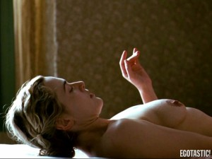 kate-Winslet-topless-sex-in-the-reader-08-580x435