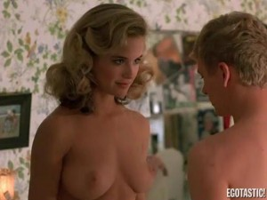 kelly-preston-full-frontal-in-mischief-01-580x435