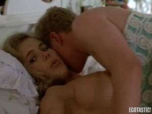 kelly-preston-full-frontal-in-mischief-02-580x435