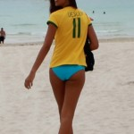 Fernanda-Uesler-in-a-Blue-Bikini-Bottom-on-Miami-Beach-09-435x580