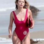 Keeley-Hazell-Runs-In-Baywatch-Swimsuit-03-675x900