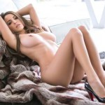 Shelby-Chesnes-Topless-Playboy-Photoshoot-08-cr1410375575197-580x435