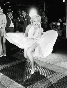 MARILYN MONROE DURING THE FILMING OF '7 YEAR ITCH', FILM, AMERICA - 1955