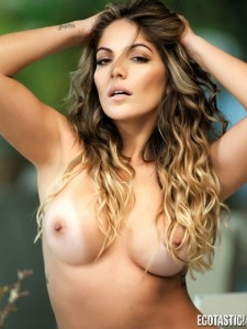 anamara-barreira-topless-in-sexy-brazil-june-2013-07-435x580